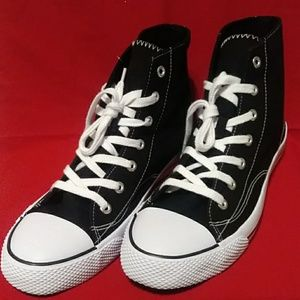 New Men's High Top Sneakers Black and White